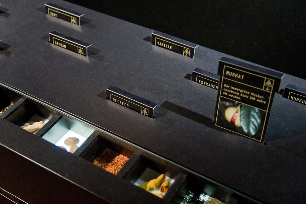 Gewürzquiz, interaktive Station in der Ausstellung »Unser täglich Brot« im Technoseum Mannheim